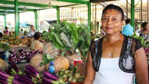 Fiji market vendor